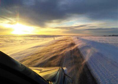 řízení na silnici na Islandu