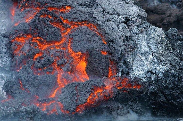 lava erupce na Islandu